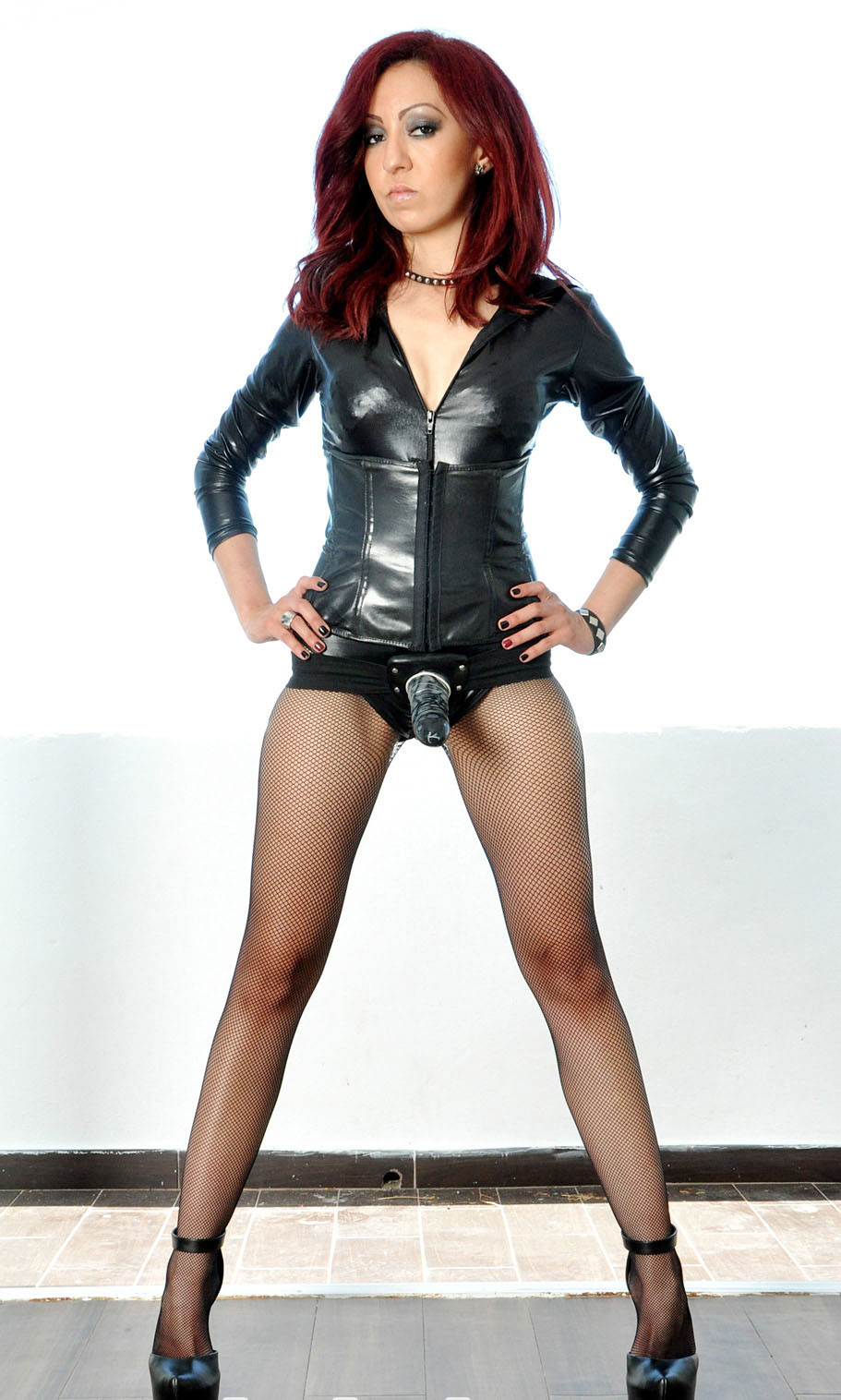 naked redhead dominatrix lesbians
