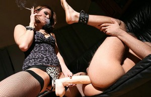 Smoking Strapon Mistress
